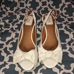 Clarks Bendables Wedges Leather Peep Toe & Bow